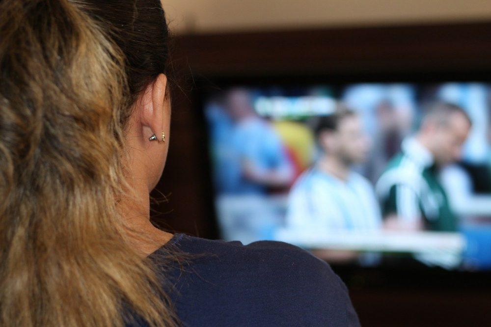 10 consigli per guardare la partita con il tuo uomo
