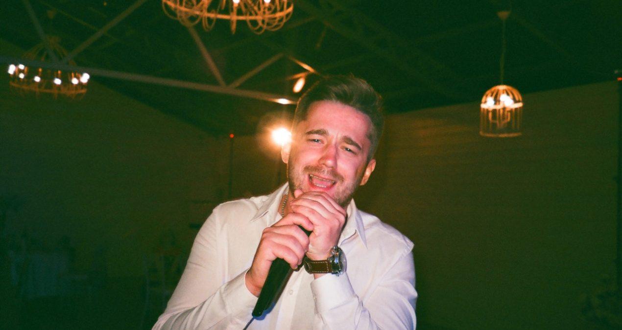 Individui che solo al Karaoke puoi incontrare