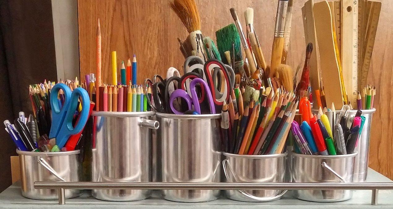 Alla disperata ricerca di colle, seghetti e matite d'oro