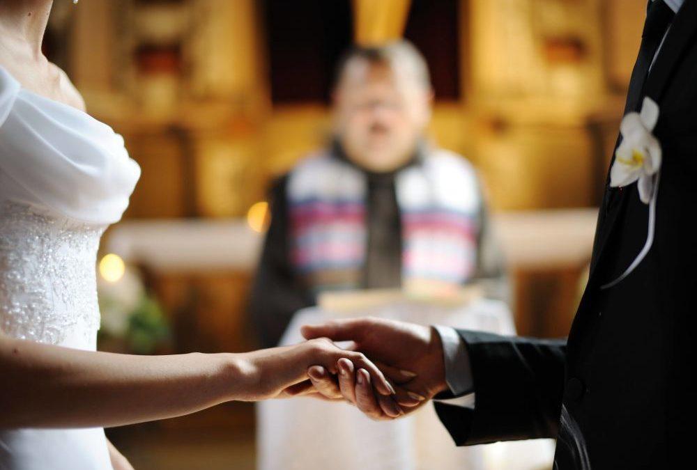 Il matrimonio è troppo caro? Ora puoi sposarti, c'è il bonus della Lega!
